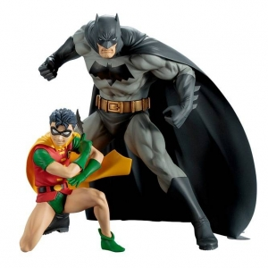 DC COMICS BATMAN & ROBIN TWO-PACK ARTFX+ STATU