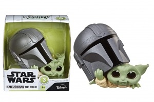 Star Wars The Bounty Collection - The Child Figure Helmet Peeking